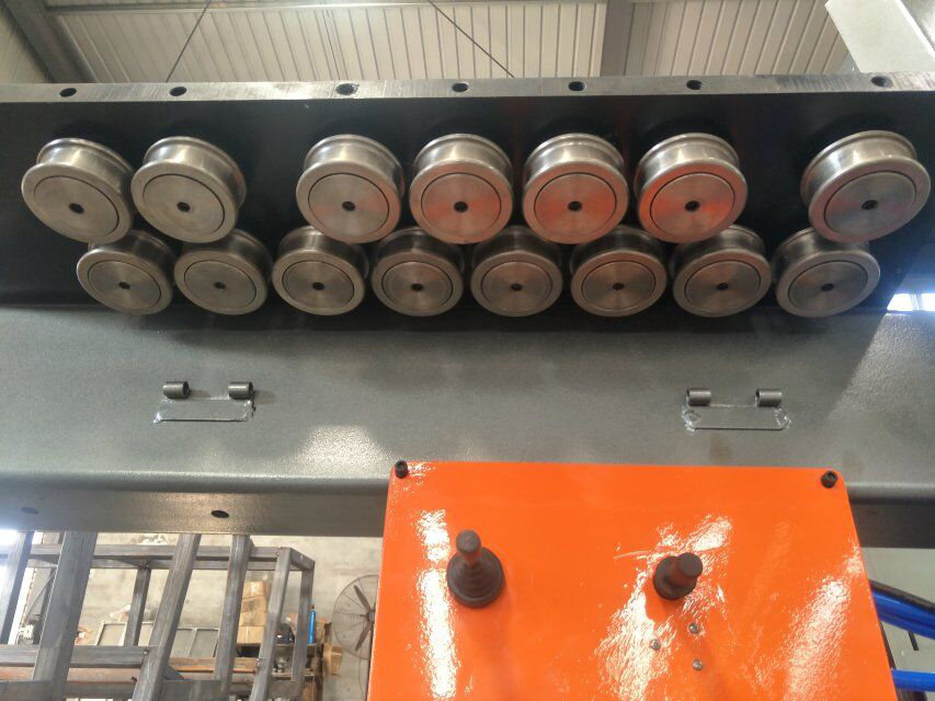 cnc ocelový ohýbací stroj